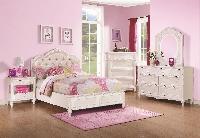 Caroline bed